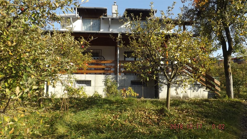 Vanzare casa de vacanta la 20 km de Sinaia, in Moroeni Dambovita