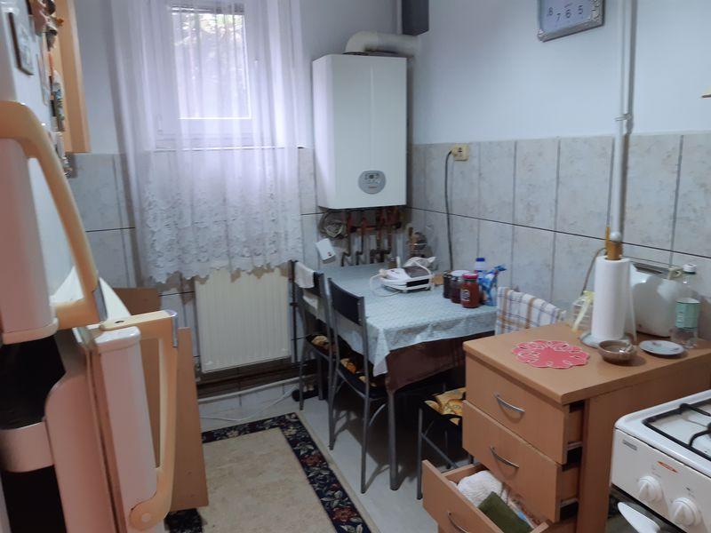 Vanzare apartament 2 camere , zona Balaban Targoviste