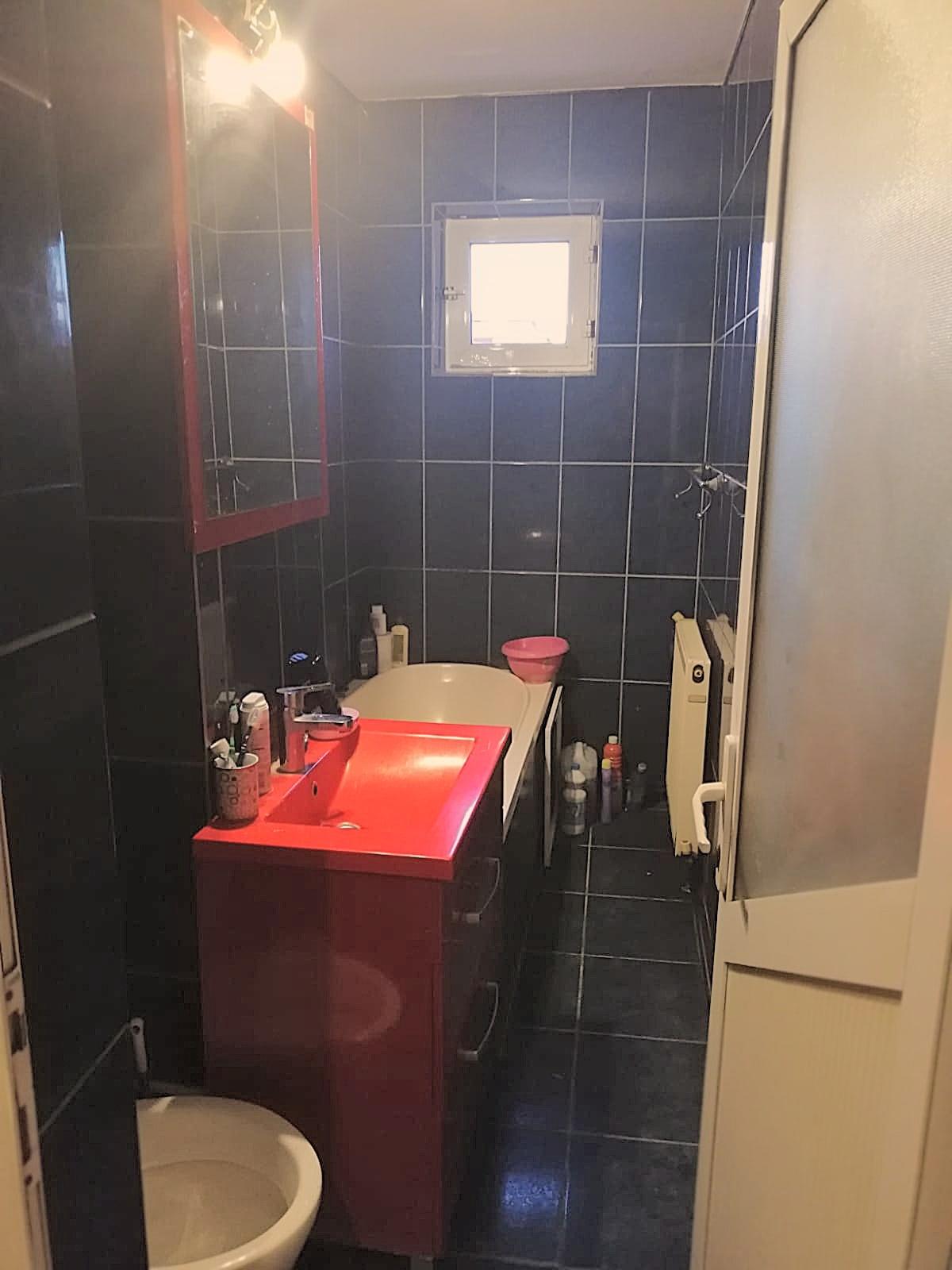 Vanzare apartament 2 camere, etaj 3, micro 11 Targoviste