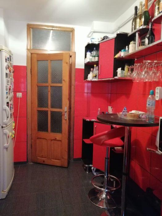 Vanzare apartament 3 camere , zona Dambovita Mall Targoviste